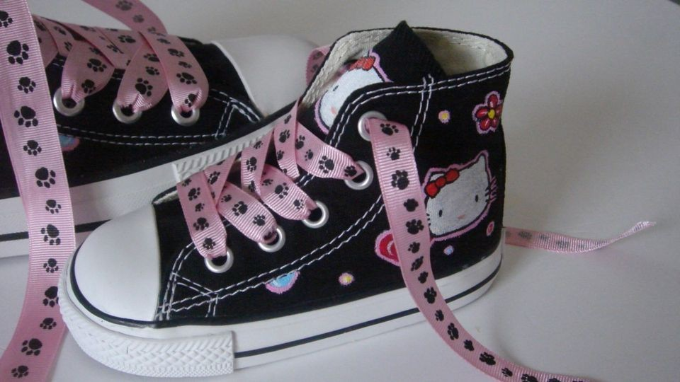 hello kitty converse in Kids Clothing, Shoes & Accs