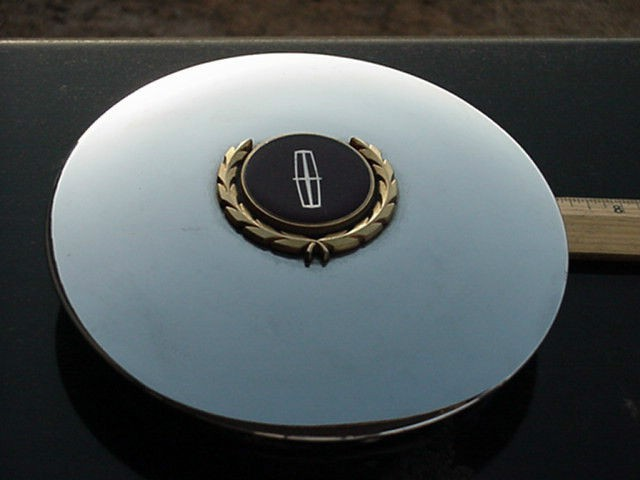 lincoln TOWN CAR center cap GOLD LOGO for WIRE WHEEL 7 face dia