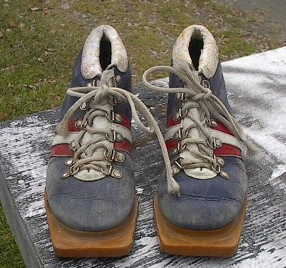 Cross Country Ski Boots 3 Pin 75 mm Measures 8 Long
