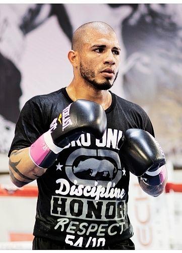 NEW Mens Ecko Unltd MMA UFC Miguel Cotto Camp T Shirt Tee S Blk