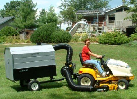 Trac Vac Model 560 6 5 HP Briggs Pull Behind Lawn Mower Bagger Vacuum