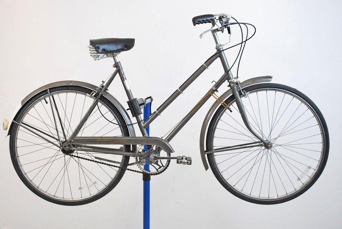 Vintage Raleigh Sports 3 Speed Ladies Cruiser Bicycle Bike Sturmey