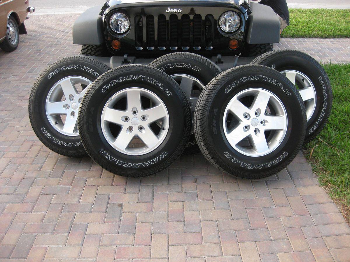 New Jeep Wrangler 17 Factory Wheels Rims P255 75R17 Tires