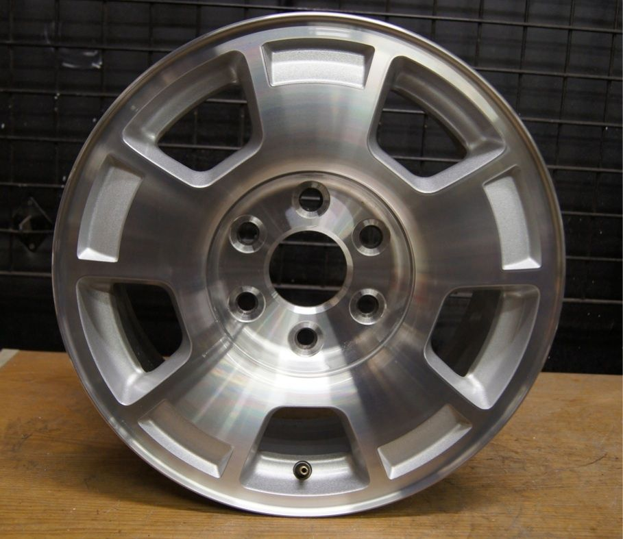 Suburban Tahoe Avalanche 17 Factory Wheel Rim 07 12 5299 2